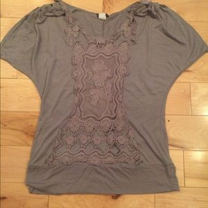Tops - Pretty shirt size large.
